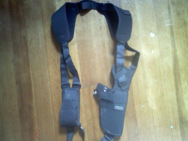 *Gone* WTGA/PIF shoulder holster, uncle mikes and safariland *Gone*-mikes-1.jpg